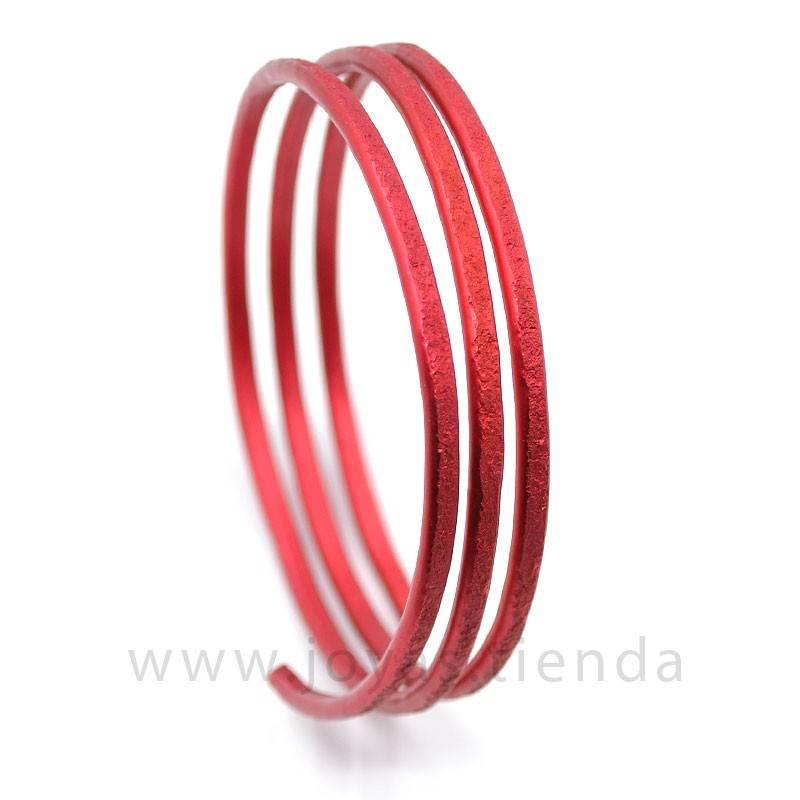 Pulsera en espiral roja