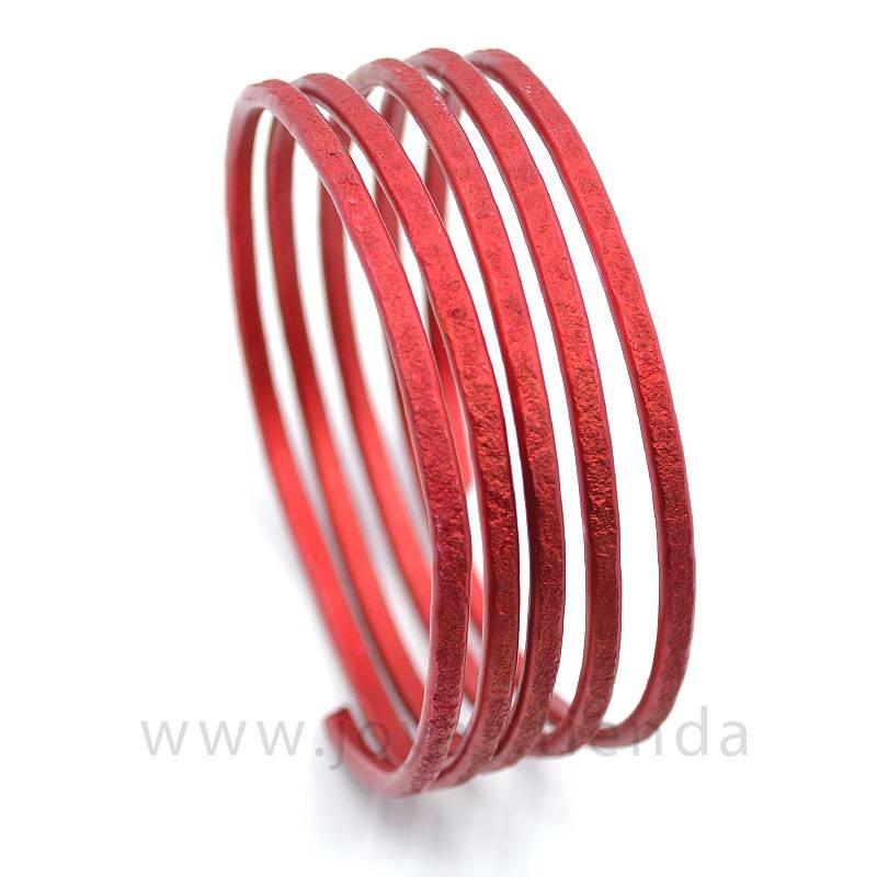Pulsera ancha en espiral roja
