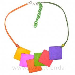Collar cuadrado multicolor