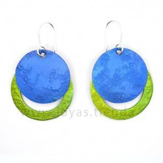 Pendientes redondos azules y verdes