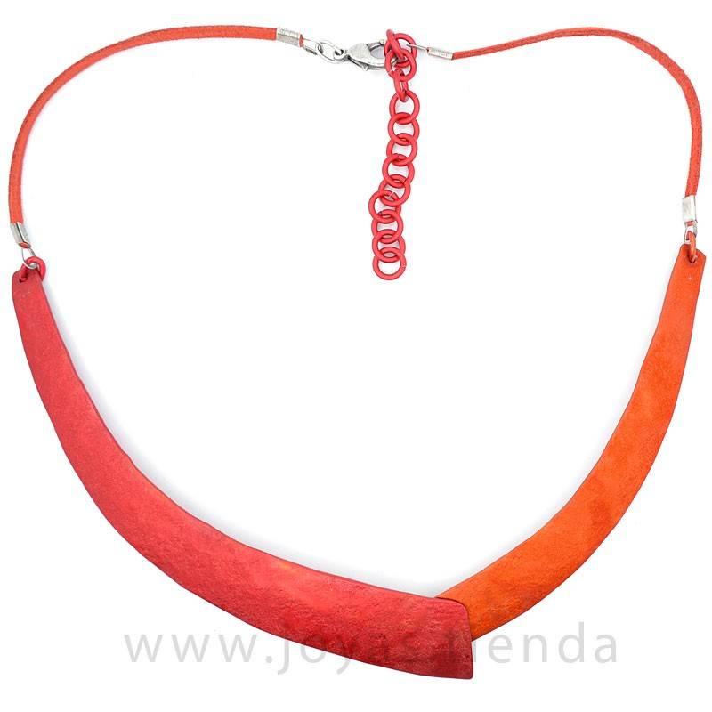Collar colores rojo y naranja